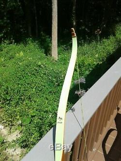Bear Archery 1963 Grizzly Recurve Bow Near MINT RH