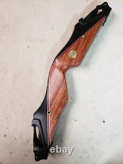 Bear Archery Kodiak Takedown A Riser left Hand Phenolic/Bubinga