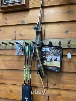 Bear Archery Wolverine take down 62 Recurve Bow Right Hand 50LB DELUXE PACKAGE