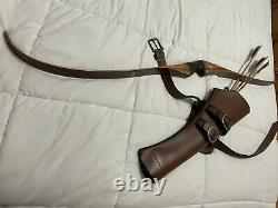 Bear grizzly recurve bow with leather quiver