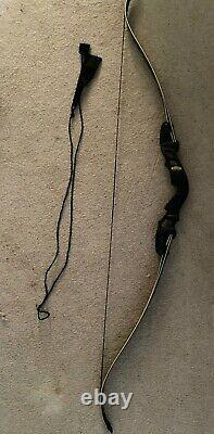 Hoyt Satori Recurve 19 Right Handed Bow Black Riser