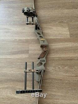 Hoyt Satori Recurve Bow Right Hand 17 Inch Riser Medium Ridge Reaper Limbs 50#