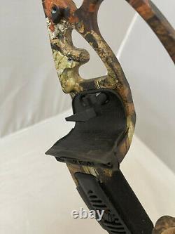 Martin Panther 50# Recurve Bow RH Mossy Oak Infinity Camo