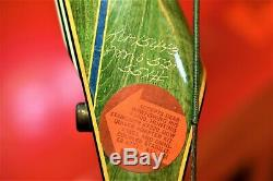 NICE. Vintage Bear Kodiak Magnum Right Hand Recurve Bow Green 55# 52 3t