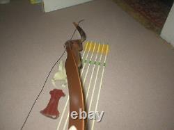 Real Nice Vintage Ben Pearson Signal Predator Recurve Bow 45xx# RH Arrows +
