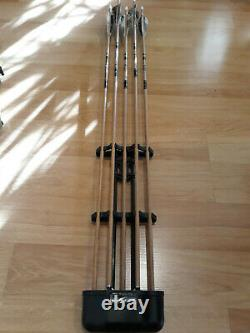 Samick Sage RH 50 lbs. Takedown Recurve Bow with Quiver, Arrows, Glove + Extras