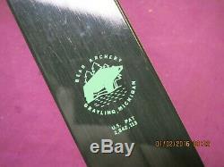 Vintage Bear Kodiak Hunter Recurve Bow 45 lb Draw Right Handed Blemished Mint