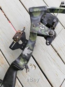 Vintage Oneida Strike Eagle Compund Recurve Bow Camo RH Bowfishing Hunting
