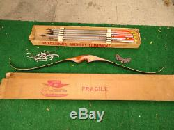 Vintage Recurve Bow AVENGER Black Hawk with 9 Arrows and Accessories- FREE SHIP